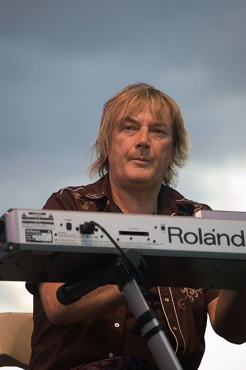 800px geoff downes 7060