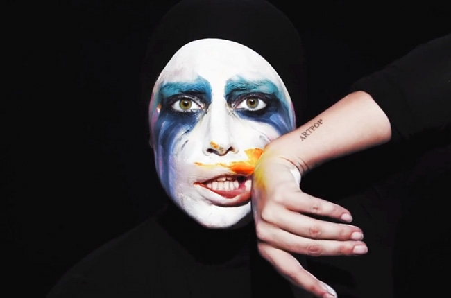 Lady gaga applause video 650 430
